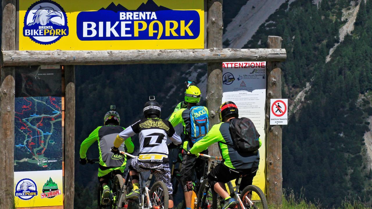 Alessandra DAgostino - Brenta Bike Park 2016 - Funivie Pinzolo Insta-1641