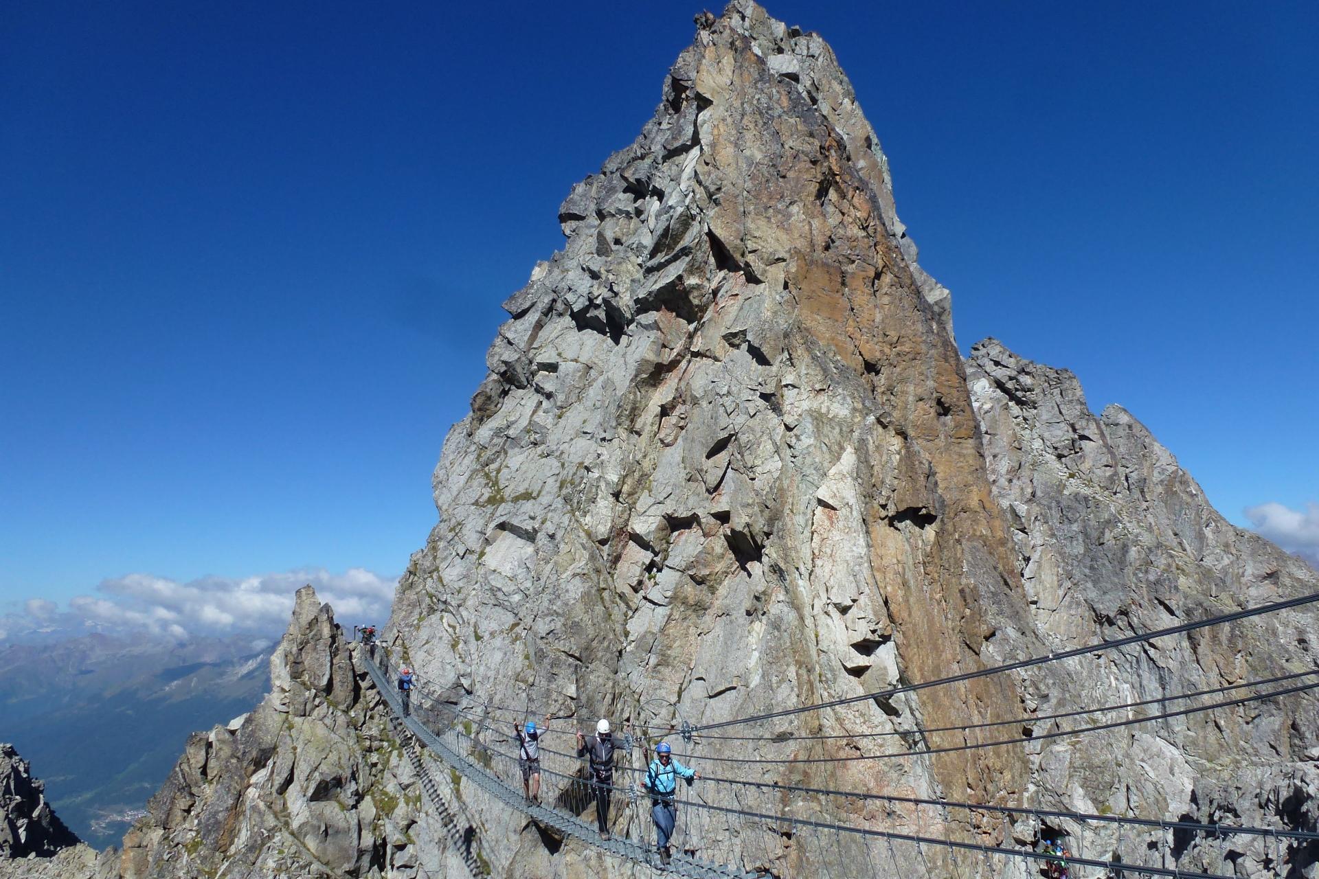 Scuola_di_Alpinismo_e_scialpinismo_Val_di_Sole-_Ph_Guide_Alpine.jpg